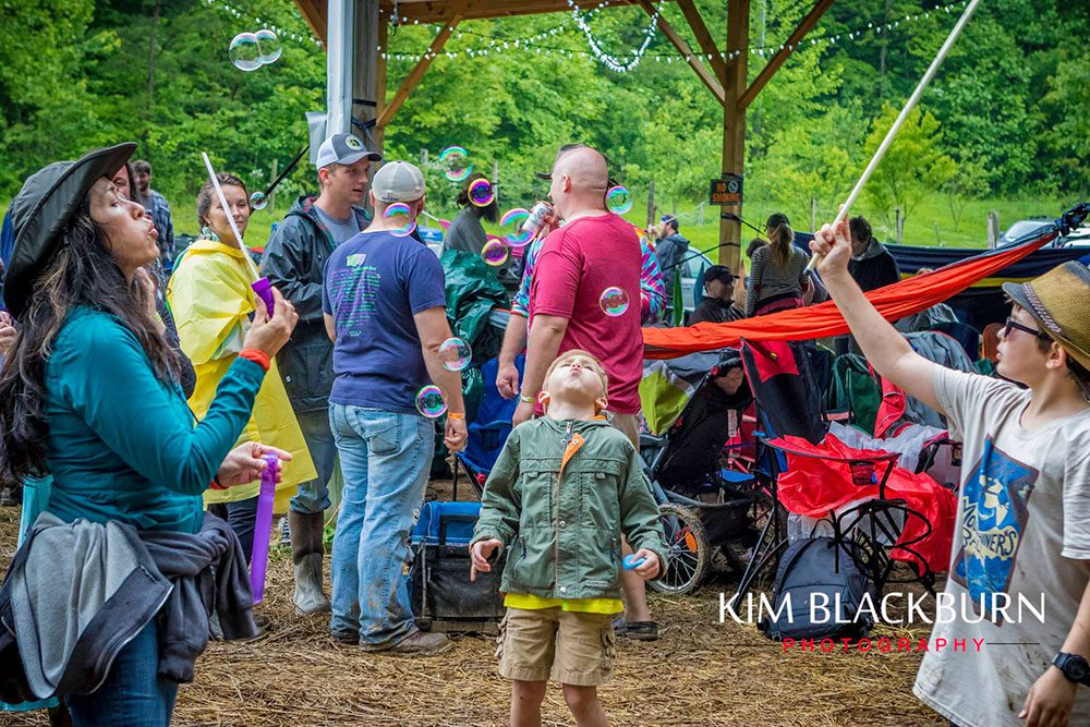 bubbles-The-Moonshiners-Ball-2016-Kim-Blackburn-copyright-protected